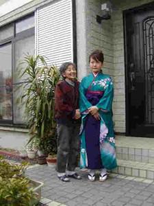 卒業式の朝(娘と母)