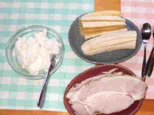 牛乳から作ったバターとボンレスハム