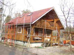 先日屋根を葺き直した1st