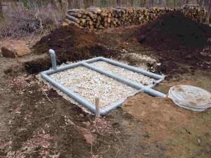 施主のSHOさんと給水・給湯・排水管・浄化槽工事を行いました。蒸散装置です。