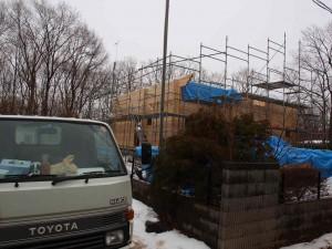本日正午過ぎの現場。降雪につき作業中止。D壁は23段で桁となり完了しました。(3月2日:午後0時20分)