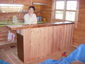 お気に入りのカウンターテーブル(天板は桜の1枚板)