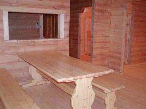 ログハウスと同時に輸入したテーブルセット